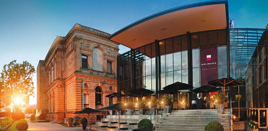 restaurant_holbeins-slider-3-meyer-lohninger-kochkunst-meyer-catering-service